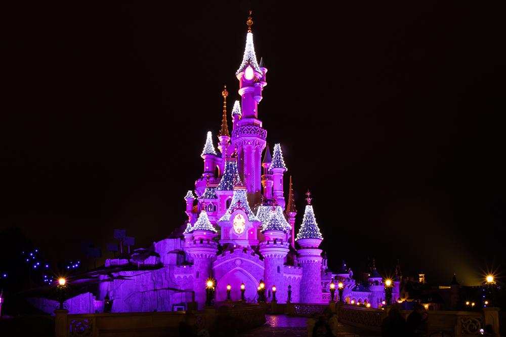 Château de nuit lors d'un week-end à Disneyland Paris