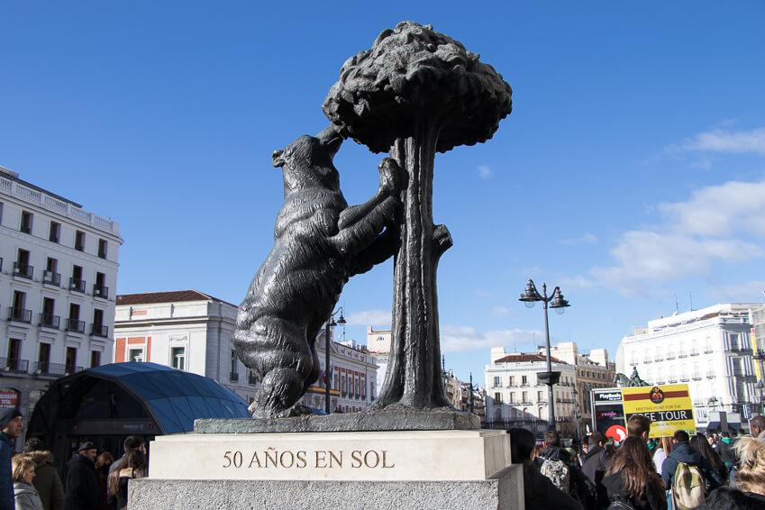 Madrid - Plaza Puerta del Sol : l'Ours et l'arbousier