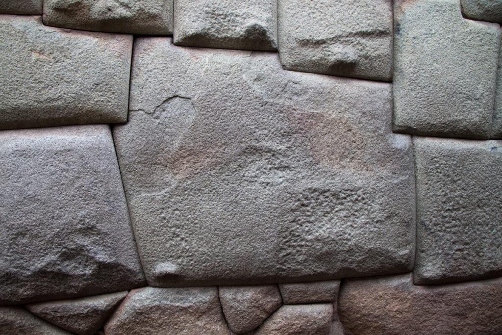 Pierre aux 12 angles Cusco